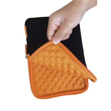 """Pouzdro na tablet GoGEN neoprenové pro 10,1"""""""" s bublinkami - černé/oranžové"""